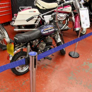 Controlling crowds at your show or exhibition with chrome stretch barriers.