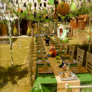 Create a safari event in your own back garden! We love this!