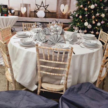 Soft Cosy Chiavari Christmas for 10