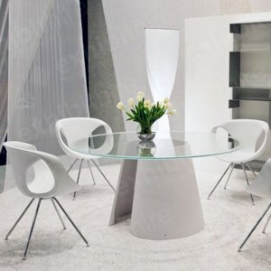 Our white Polly Chairs are contemporary and stylish with chrome steel legs. Also available to hire in black.