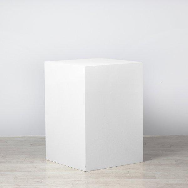 Plinth White 700 x 700 x 1000
