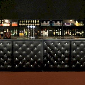 Chesterfield Bar Black - 1m Unit