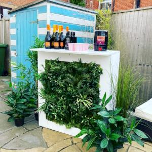 Green Living Wall Bar - 1m Unit